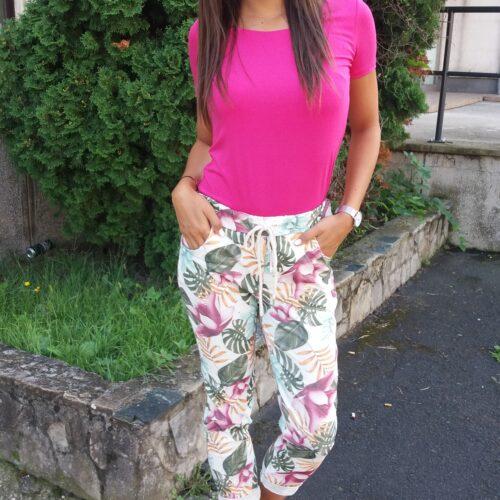 virágmintás-nadrág